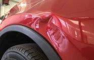 Автомобили: 5 простых, но действенных способов исправить вмятины на кузове автомобиля